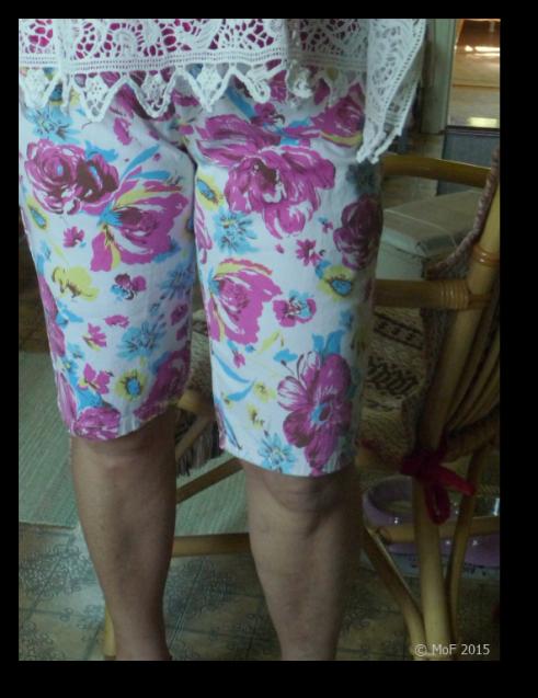 Blommiga shorts